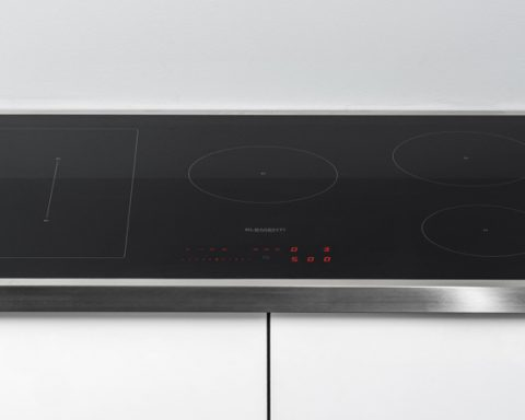 aansluiten van een inductie kookplaat
